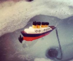 Titanic Bath Plug