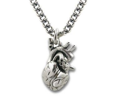 ANATOMICAL-3D-HEART-NECKLACE2