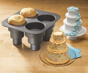Cool Cake Pans Nordic Ware 88448 Haunted Skull Pan