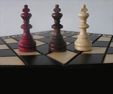 THREE-PLAYER-CHESS SET