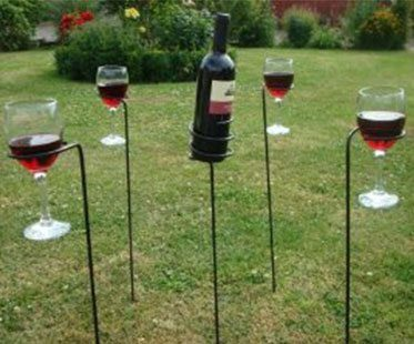 WINE-PICNIC-STAKES