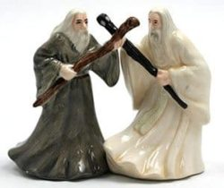 lotr salt pepper shakers