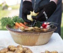 vegetable scrubbing gloves