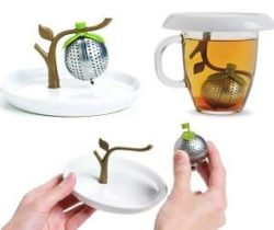 tea tree infuser and saucer