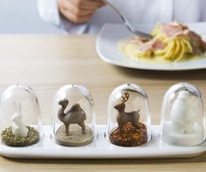 animal seasoning shakers