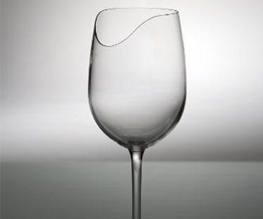 SENSE-ENHANCING-WINE-GLASSES