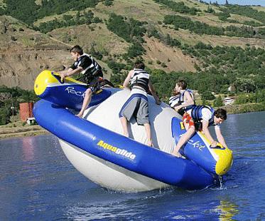 INFLATABLE-WATER-ROCKER