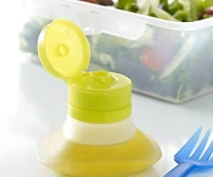 portable salad dressing container
