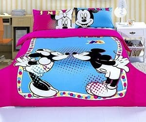 Kissing Mickey And Minnie Colorful Bedding Set