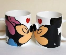 kissing mickey and minnie mugs
