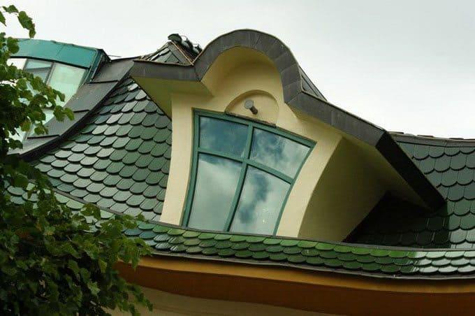 Krzywy Domek-window