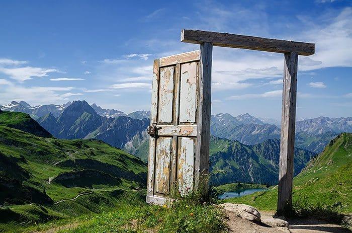 alps door