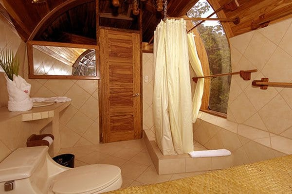 boeing-727-bathroom