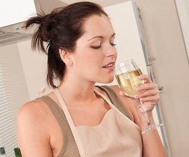 sauce measuring wine glass drinking