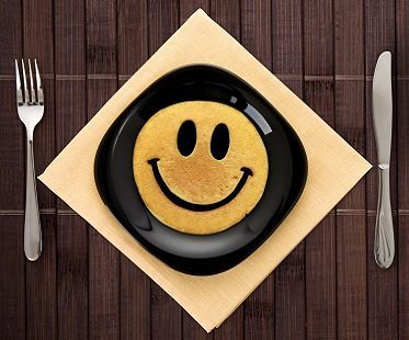 smiley face breakfast mold pancake