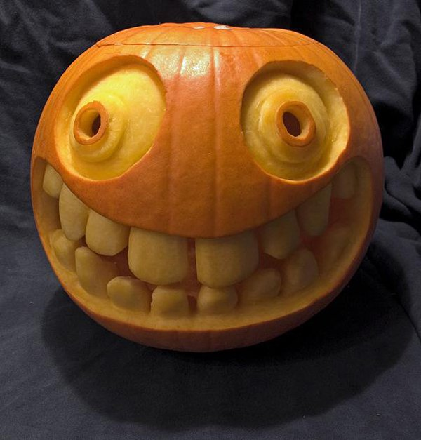 smiley-face-pumpkin