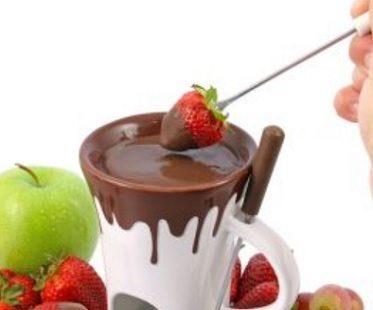 Chocolate Fondue Mug Set dipping
