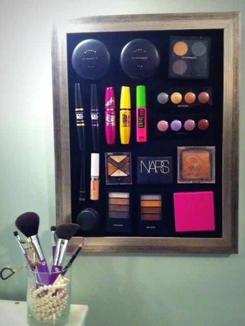 Make up on a magnet board