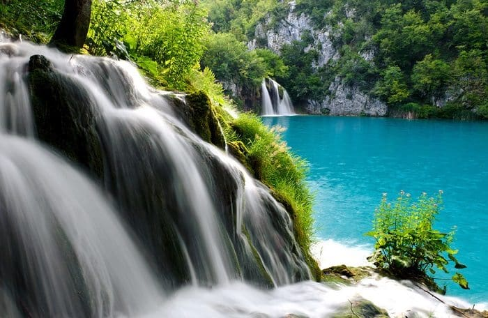 Plitvice lakes close
