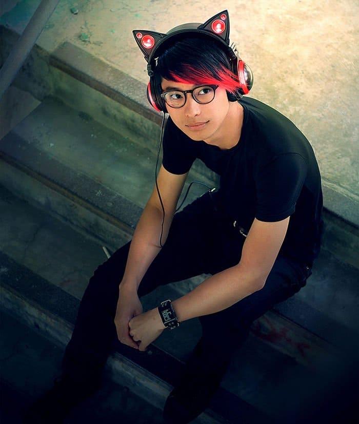 cat earphones red