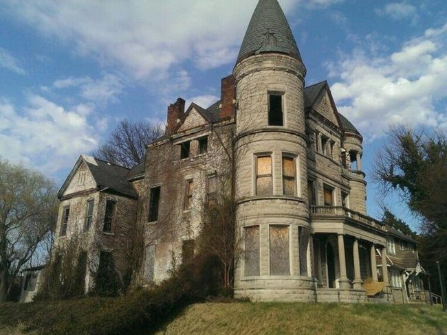 creepy mansion side