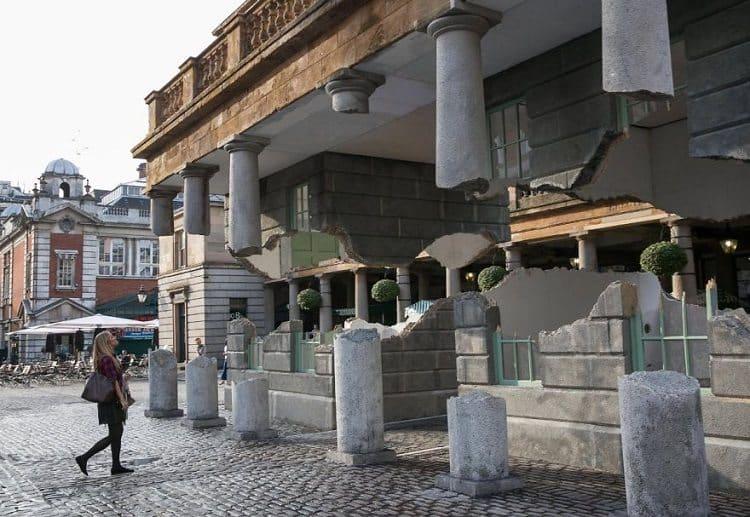 floating building pillars