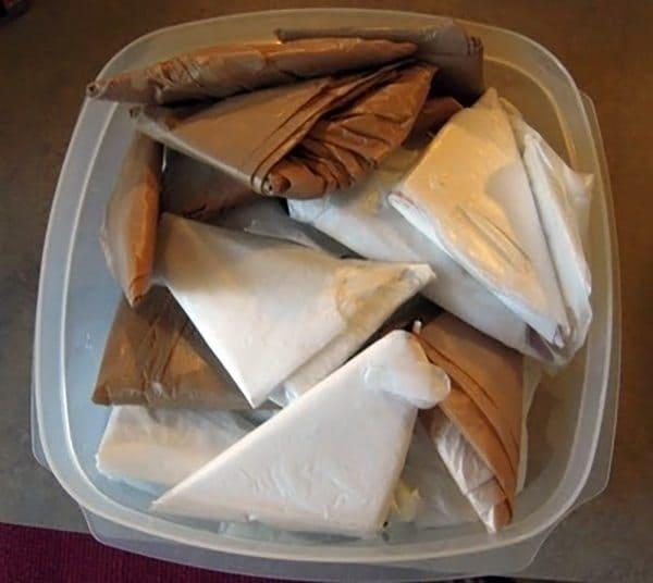 fold plastic bags