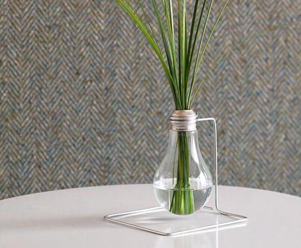lightbulb vase 2