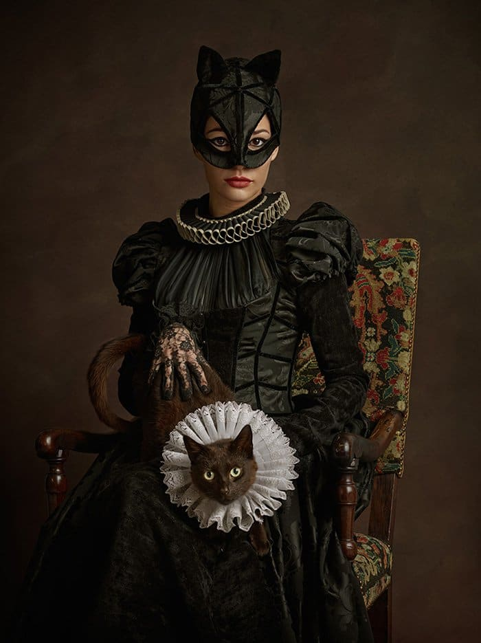 16th-century-super-heroes-catwoman