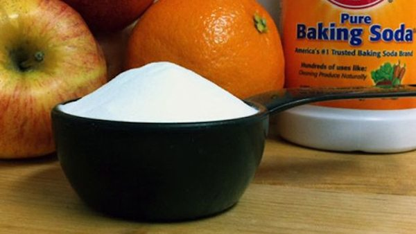 cleaning with baking soda 12
