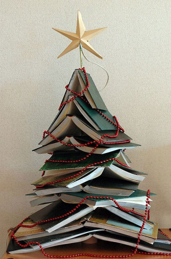fun-book-christmas-tree