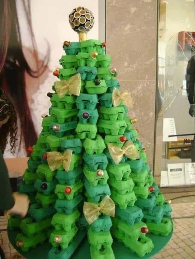 ingenious-egg-box-christmas-tree