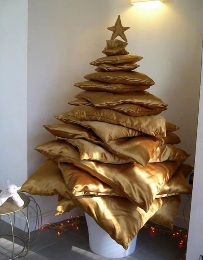 just-pillows-as-christmas-tree