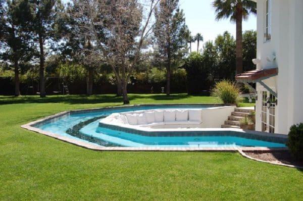 mediterranean-pool-conversation pit