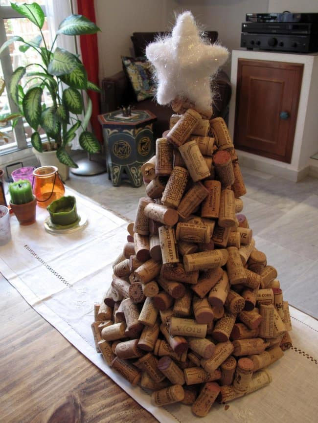 natural-cork-christmas-tree