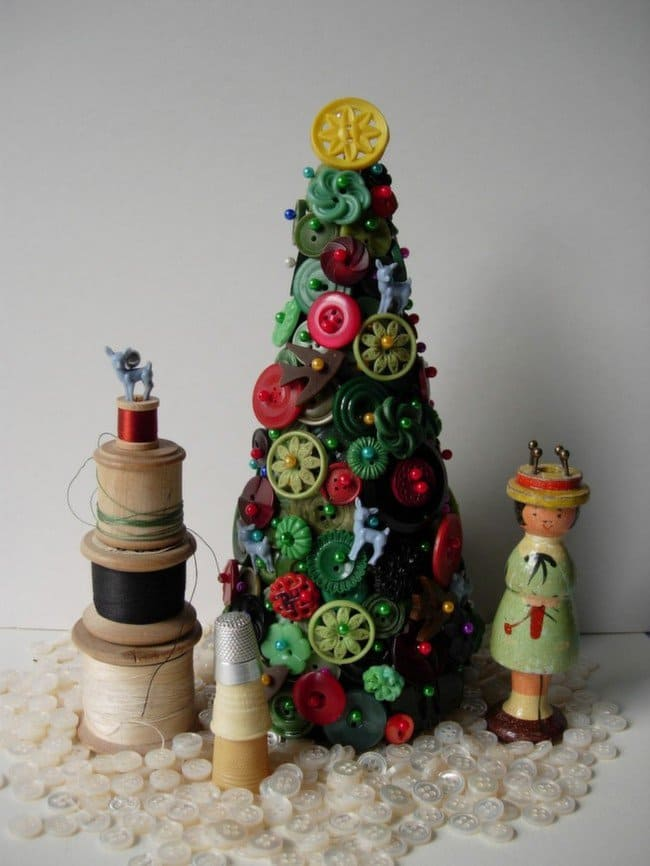 pretty-button-christmas-tree