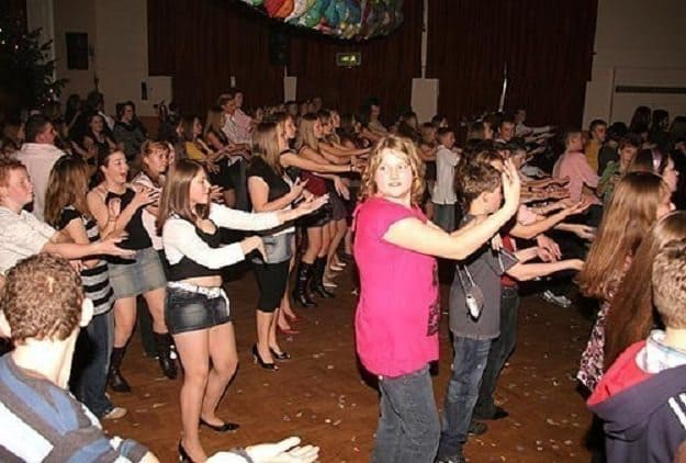 school-disco-macarena