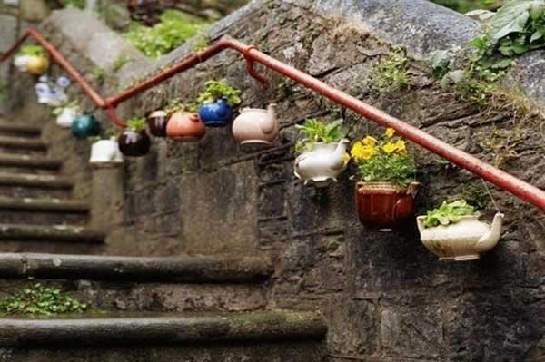 tea-pot-planters