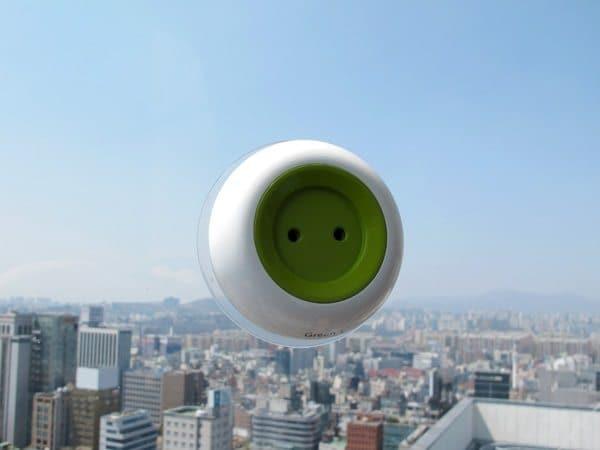 window socket green