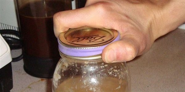 Cant open a stubborn jar Use a rubber band for better grip