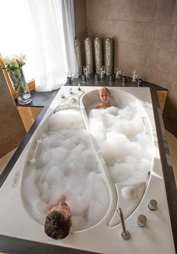 Compartmentalized Bath Tub