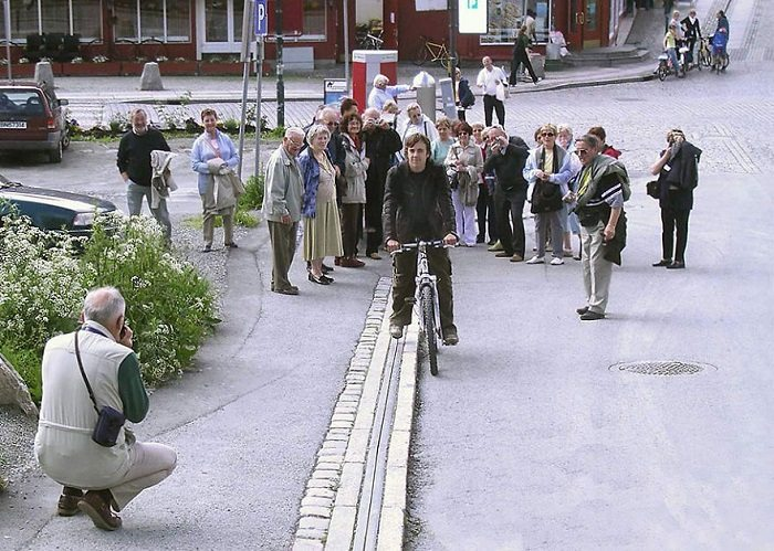 Norway bike escalator crowd