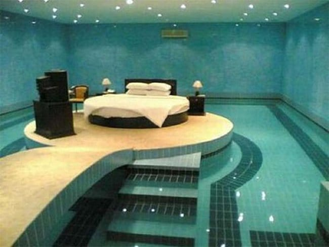 Pool-bed