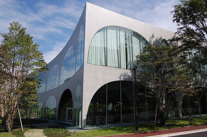 Tama_Art_University_Library