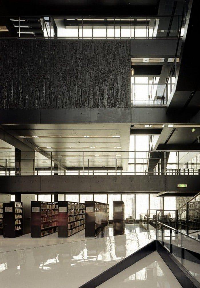 Utrecht-Library-inside