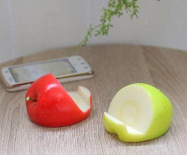 apple smartphone stand green red
