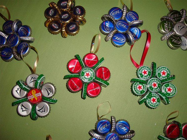 bottle cap snowflakes