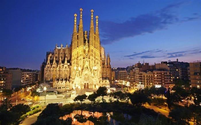 cities-at-night-barcelona