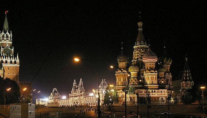 cities-at-night-moscow
