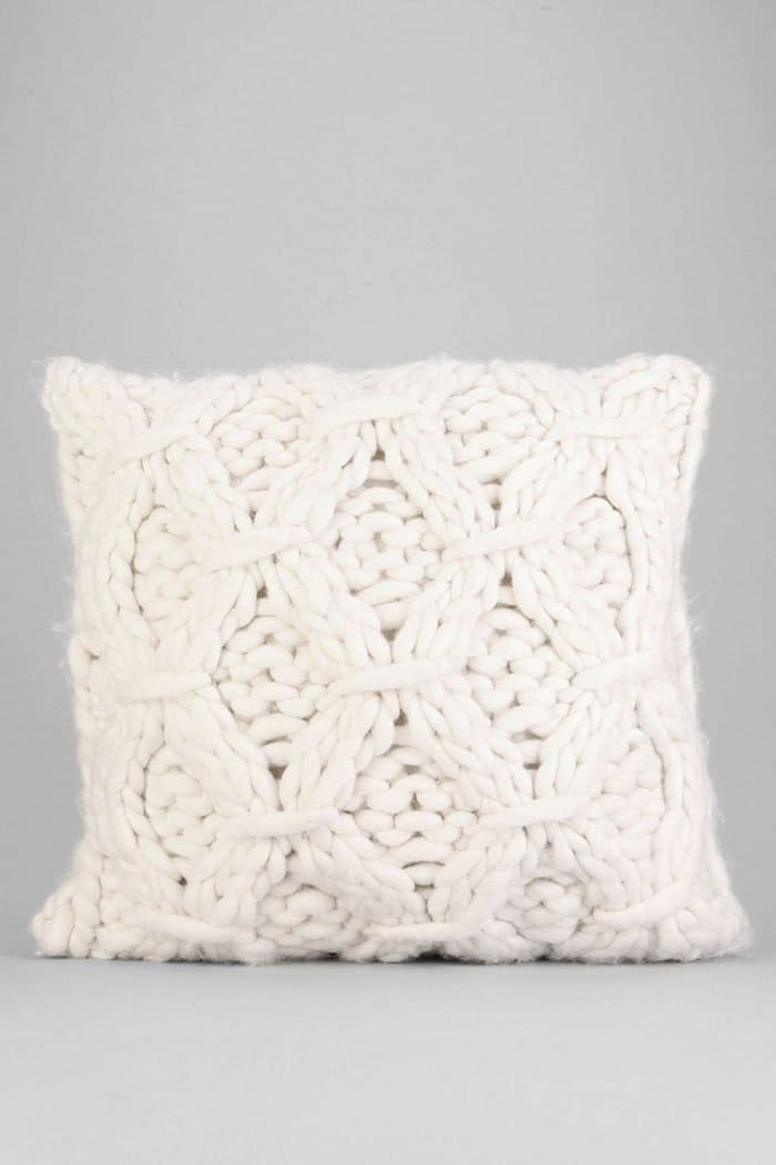 cozy-gift-knitwear-cushion
